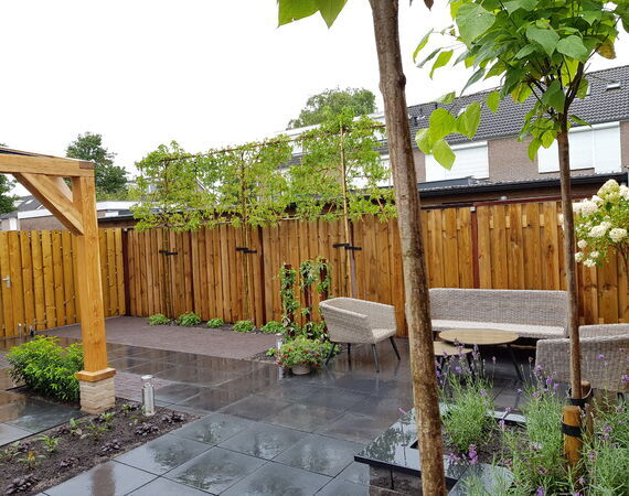 Strakke oudhollandse tuin Benschop regio Lopik, Utrecht