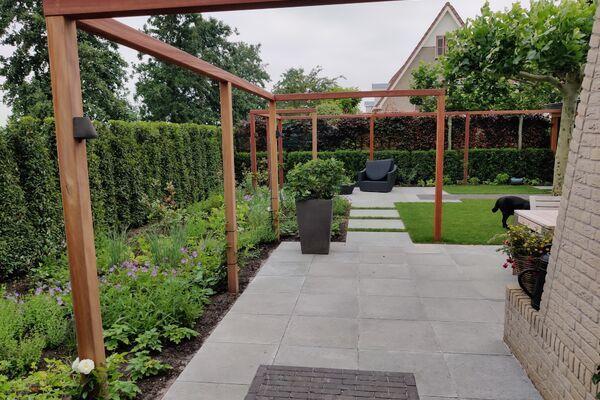 Tuinaanleg moderne tuin IJsselstein, regio Utrecht